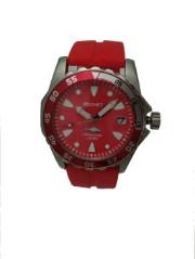 型番W505058カラー レッドムーヴメントクォーツ文字盤 レッドベゼルレッド&シルバーガラスクリスタルガラスケースステンレス/ネジ込みリューズサイズ直径 約縦43.5mm×横48mm 厚み約13mm重量約 重さ約103gベルト(ストラップシリコンベルト(赤)機能200M防水付属品専用ボックス